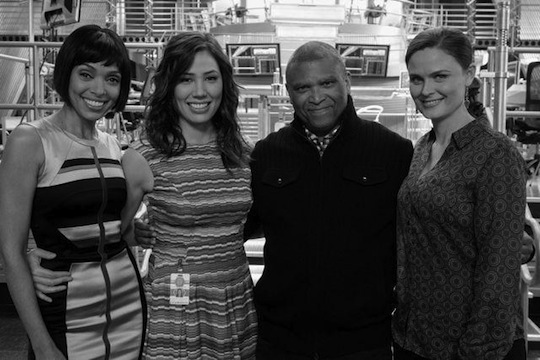 Reginald with Bones cast members Tamara Taylor, Michaela Conlin, and Emily Deschanel