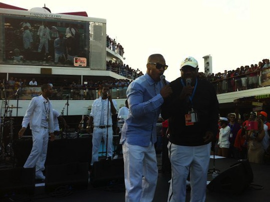 Jamie Foxx, Jay Anthony Brown on the Fantastic Voyage
