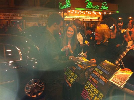 Chris Rock signining autographs