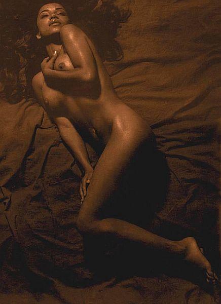 Sade sepia nude