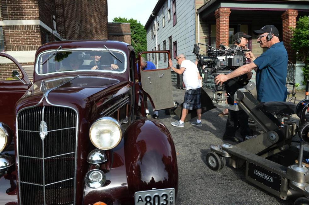 """Newton Thomas Sigel Shooting on the Set of """"Marshall"""""""